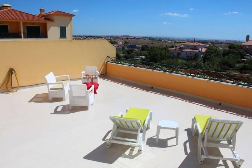 Cascais /sunny countryside apartment with pool