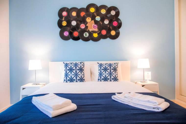Vinyl Flat Bed & Breakfast
