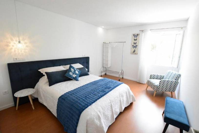 LUXURY Golden River Apartment - In the Heart of city center and wine cellars