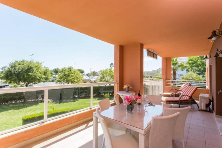 Luxurious beachfront apartment