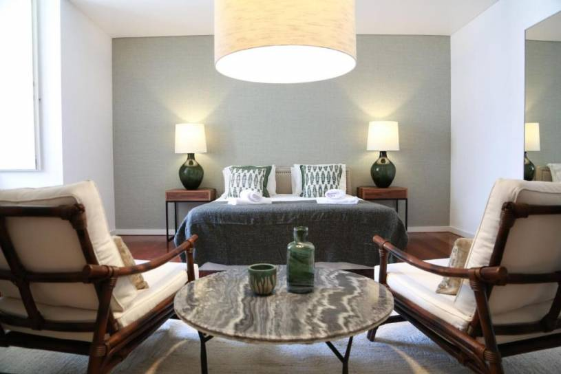 LovelyStay - Chiado 3Bedroom Wonder
