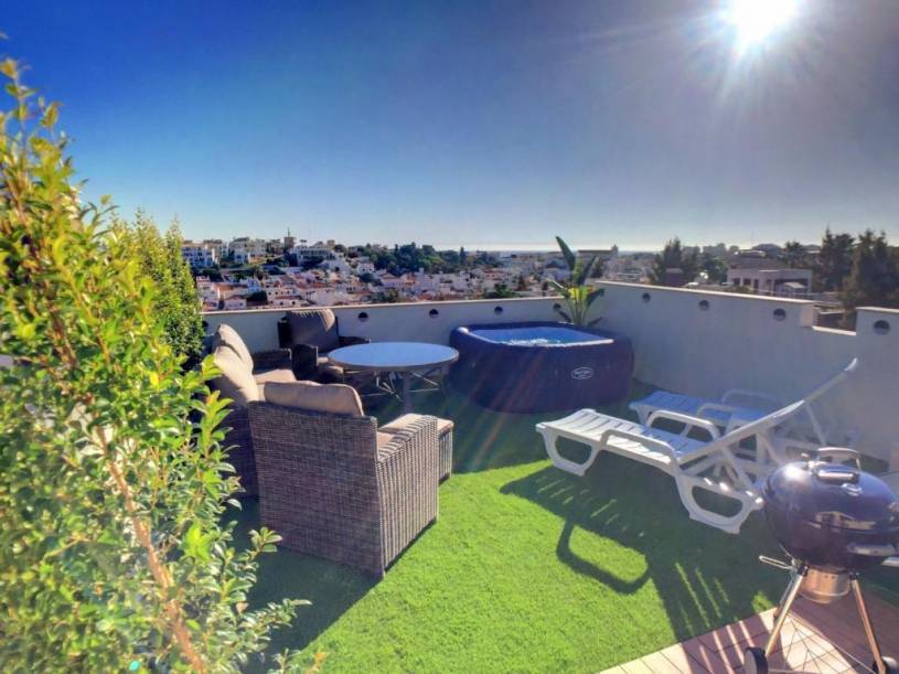 Casa Amaranth - Private roof terrace with hot tub and view