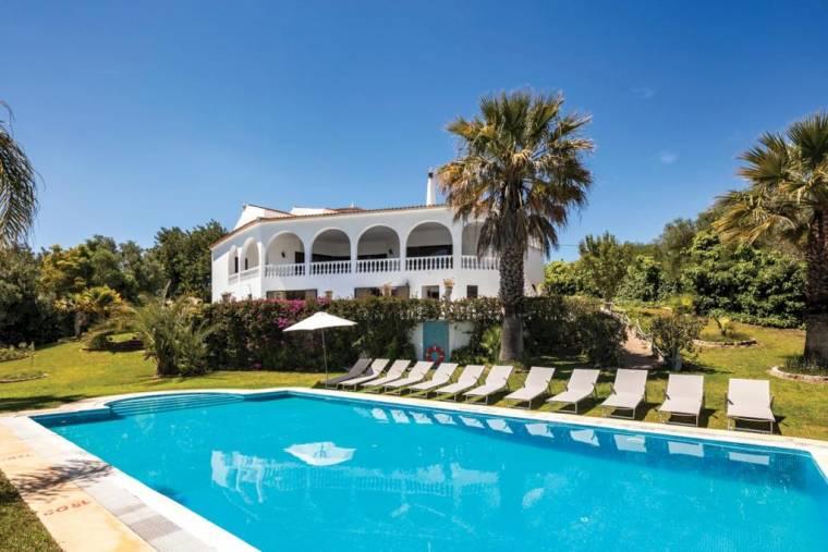 Poco Barreto Villa Sleeps 20 Pool Air Con WiFi