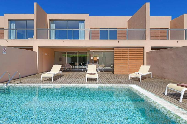 Salgados Villa Sleeps 4 Pool Air Con WiFi