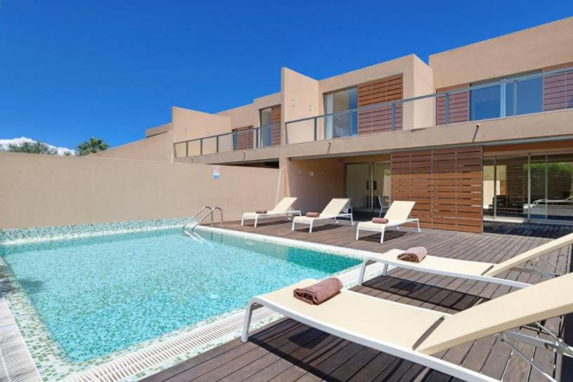 Salgados Villa Sleeps 6 Pool Air Con WiFi