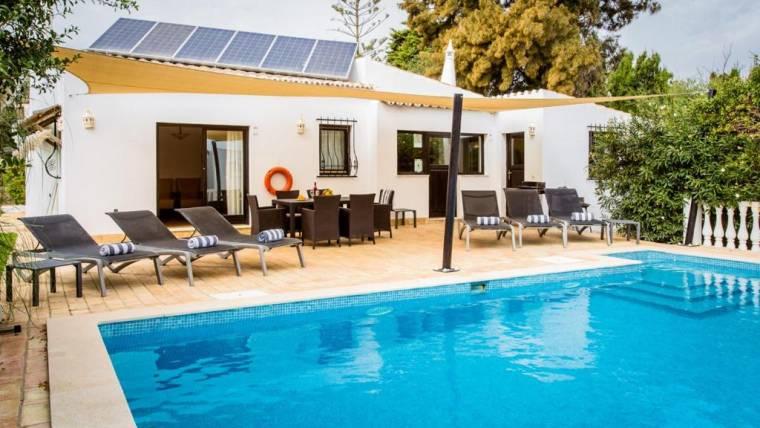 Carvoeiro Villa Sleeps 6 Pool Air Con WiFi