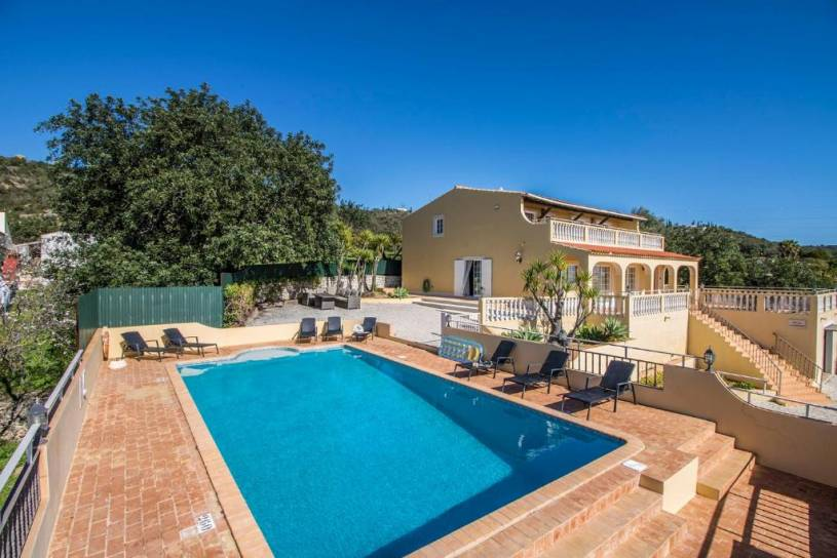 Alcaria Cova de Cima Villa Sleeps 8 Pool WiFi