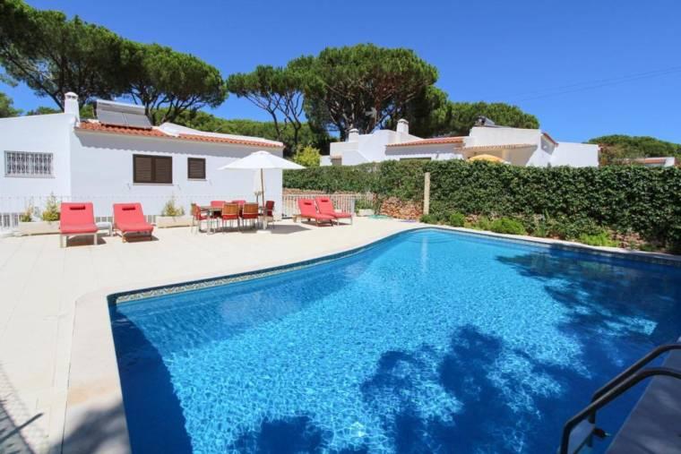 Vilamoura Villa Sleeps 8 Pool WiFi