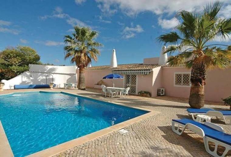 Estombar Villa Sleeps 12 Pool