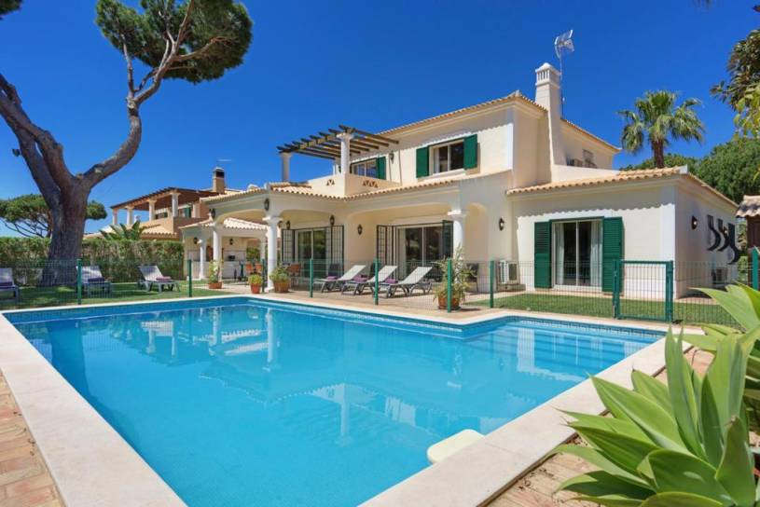 Cavacos Villa Sleeps 8 Pool Air Con WiFi