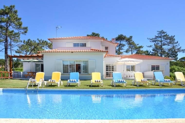 Praia das Macas Villa Sleeps 16 Pool WiFi