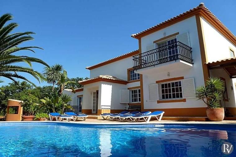Carvoeiro Villa Sleeps 8 Air Con