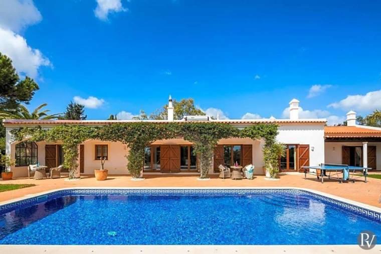 Colinas Verdes Villa Sleeps 8 Pool Air Con WiFi