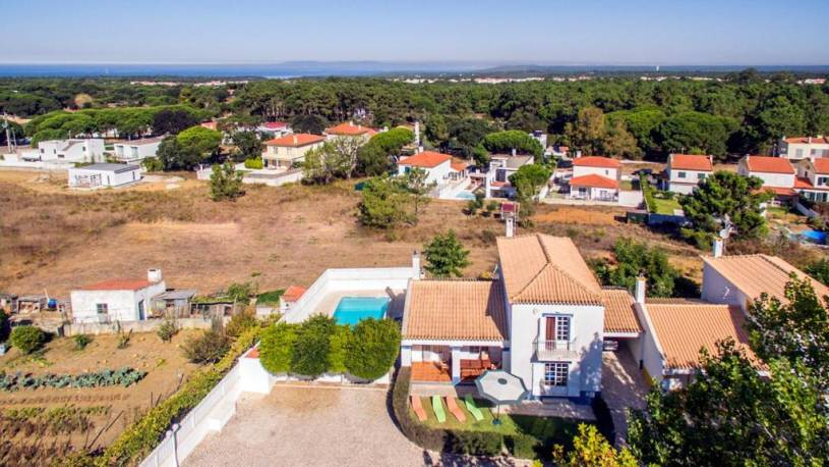 Fornos Villa Sleeps 6 Pool WiFi