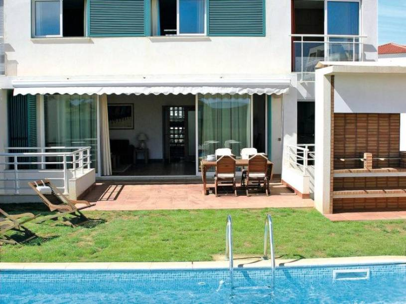 Amoreira Apartment Sleeps 9 Pool Air Con WiFi