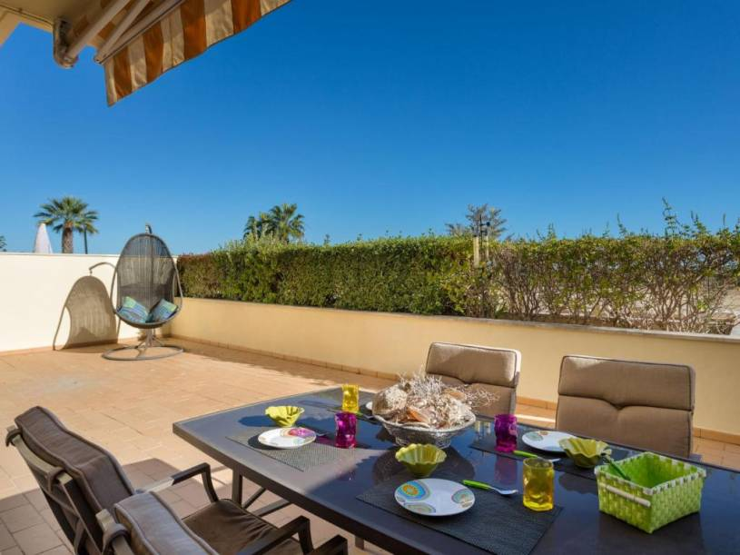Apartment T1 Terrasse 500 m from the Beach