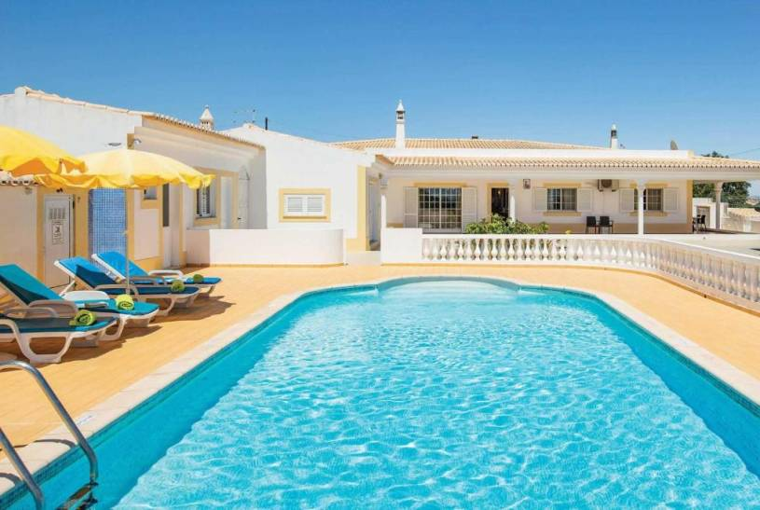 Benagil Villa Sleeps 6 Air Con WiFi