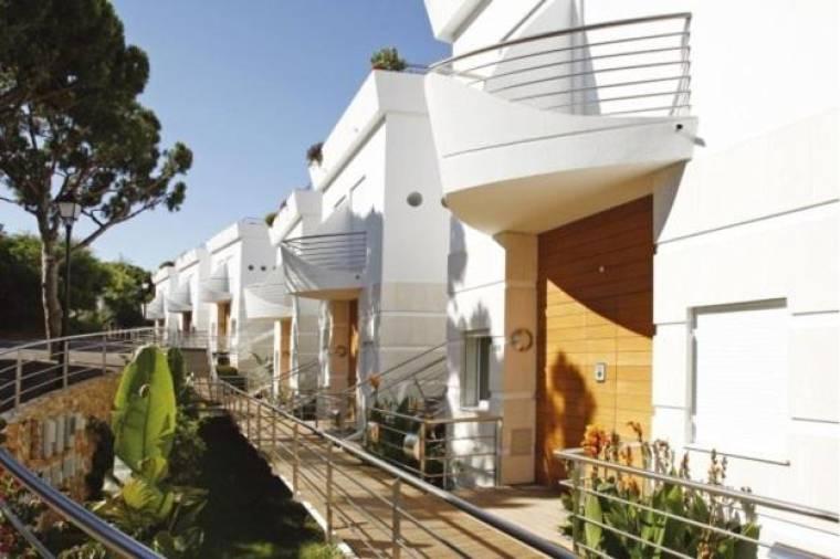 Vale do Lobo Apartment Sleeps 8 Pool Air Con WiFi