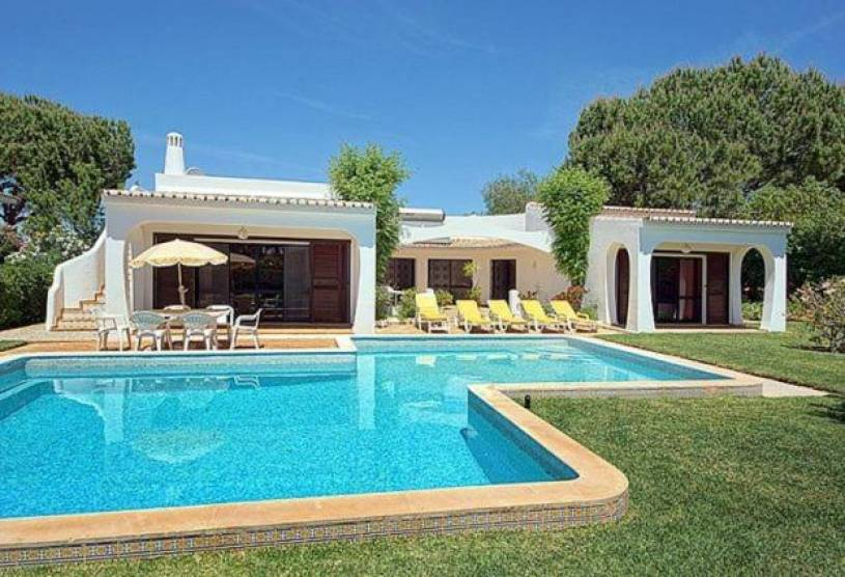 Vilamoura Villa Sleeps 6 Pool Air Con WiFi T693103