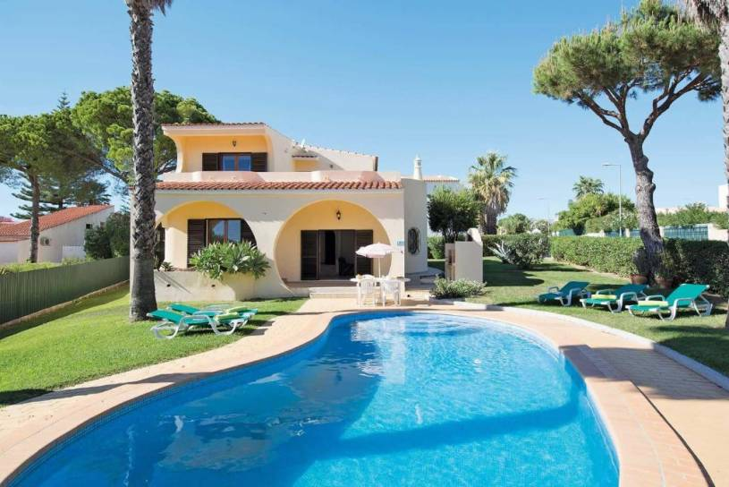 Located in an exclusive residential area of Vilamoura
