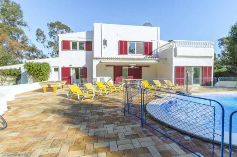 5 bedroom Villa in Penina Alvor with Private Pool