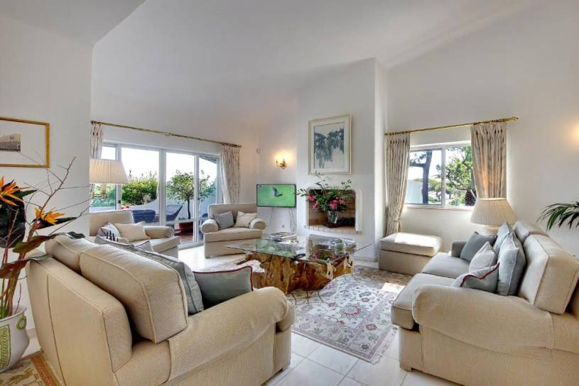 Lovely Vale do Lobo Apartment - WIFI included