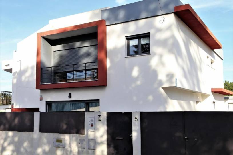Rutes Charming Villa at Lisbon South Bay