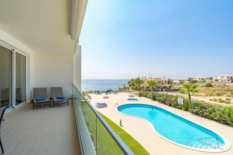 Luxury Ocean View Apartment, Porto de Mos