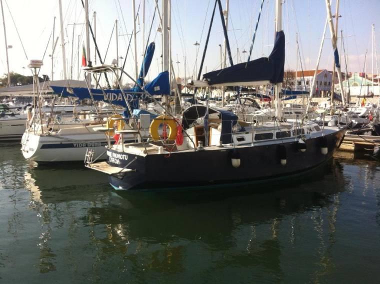 Boat at Lisbon - Vahine
