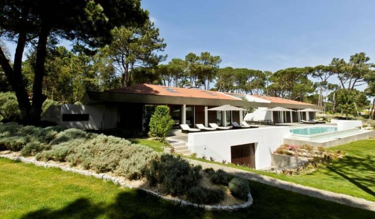 Villa Monte Serves