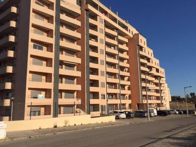 Apartamento Comunidades Lusiadas
