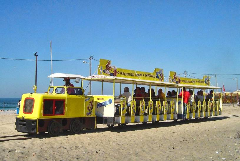 Costa da Caparica beach train