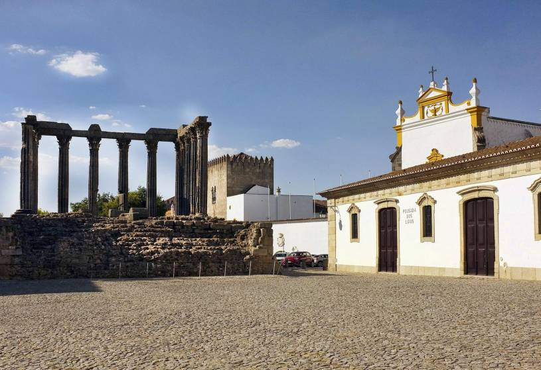 Evora Roman Temple - Largo Conde de Vila Flor