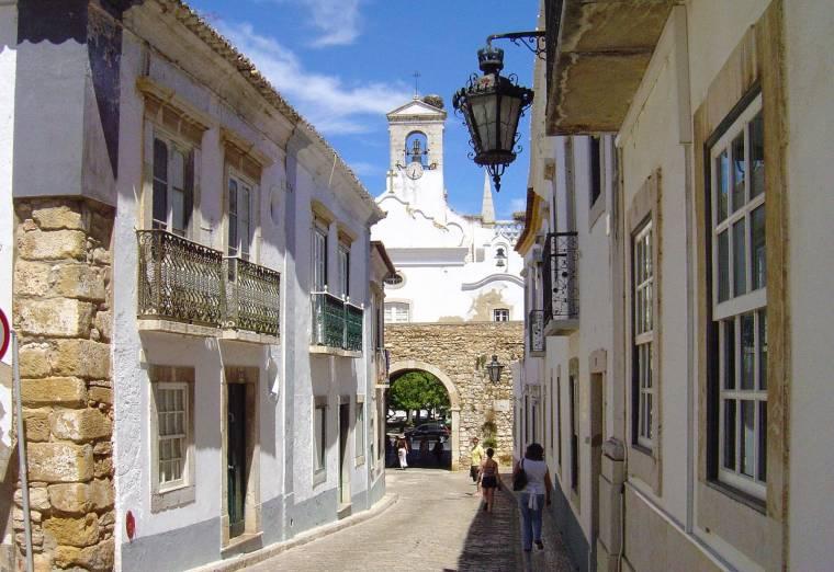 Rear view of Arco da Vila - Faro