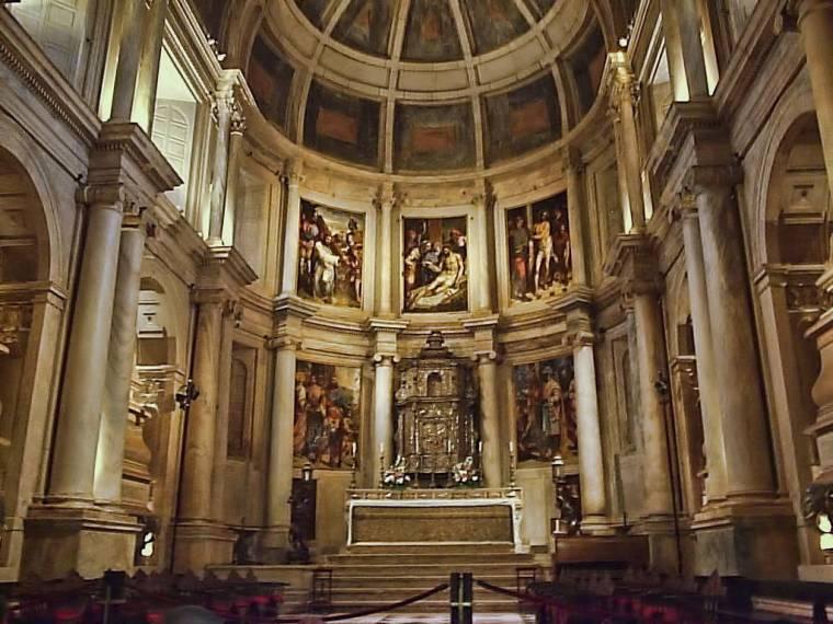 Mosteiro dos Jerónimos altar - Belem