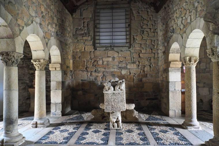 Tomb of Bishop of Porto - São Pedro de Balsemão