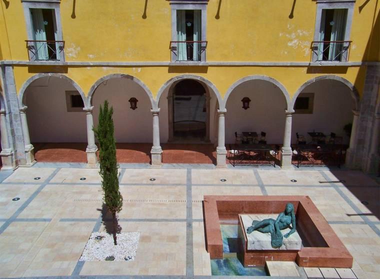 Cloisters - Convent Pousada de Tavira