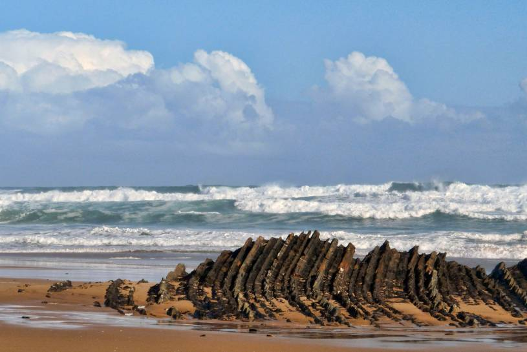 Rock formations - Praia da Cordoama