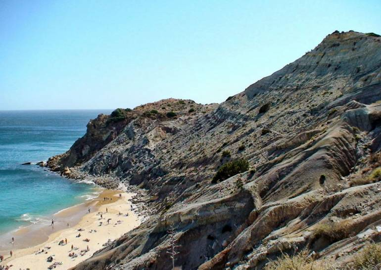 Praia do Burgau cliffs