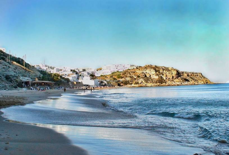 Praia do Burgau - Looking east