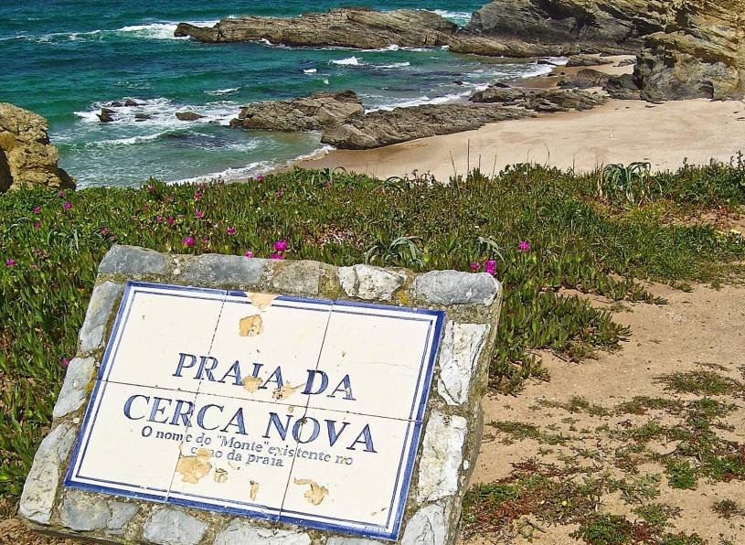 Praia da Cerca Nova - Beach sign
