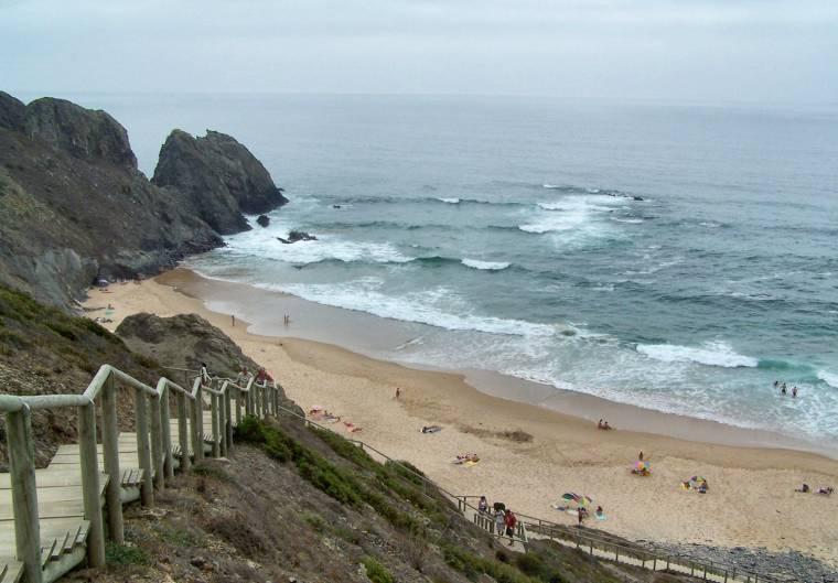 Praia de Vale dos Homens