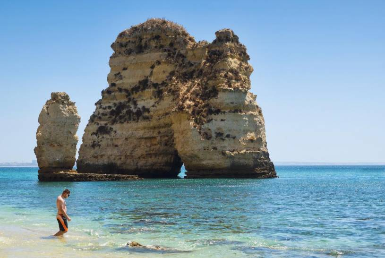 Praia dos Pinheiros - Lagos rock formations