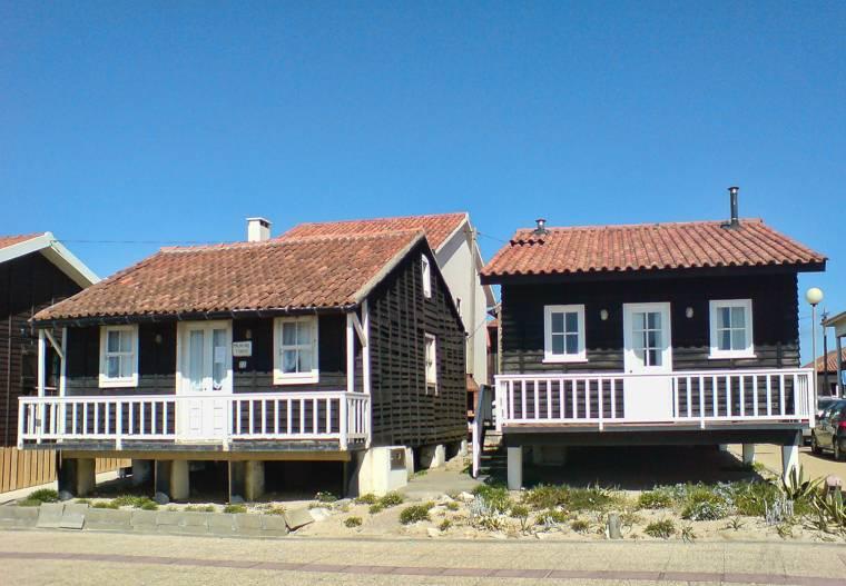 Tocha palheiros - fishermen's houses