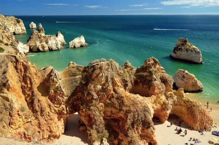 Rock formations - Praia dos Tres Irmaos