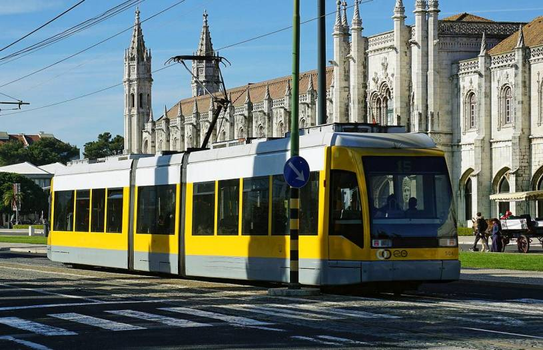 Lisbon tram route number 15