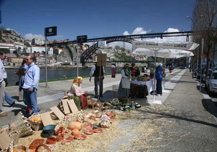 Vila Nova de Gaia Riverside Market