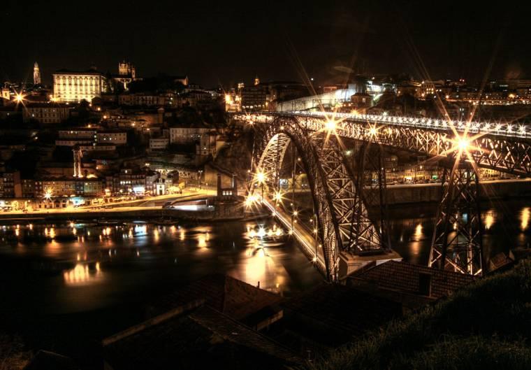 Dom Luís I Bridge at Night
