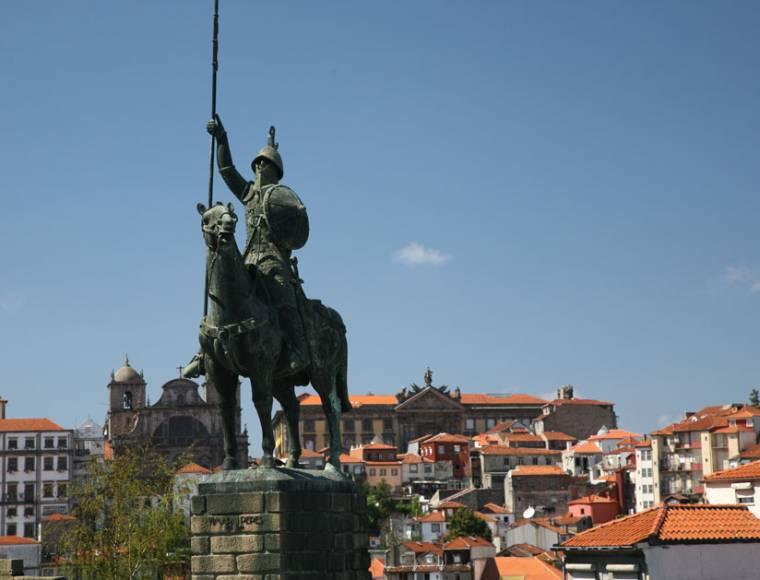 Statue in Porto