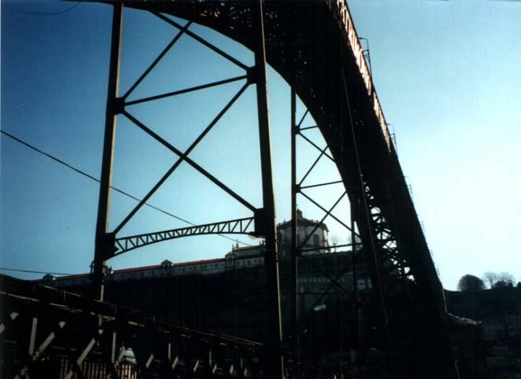 Don Luis Bridge - Close up